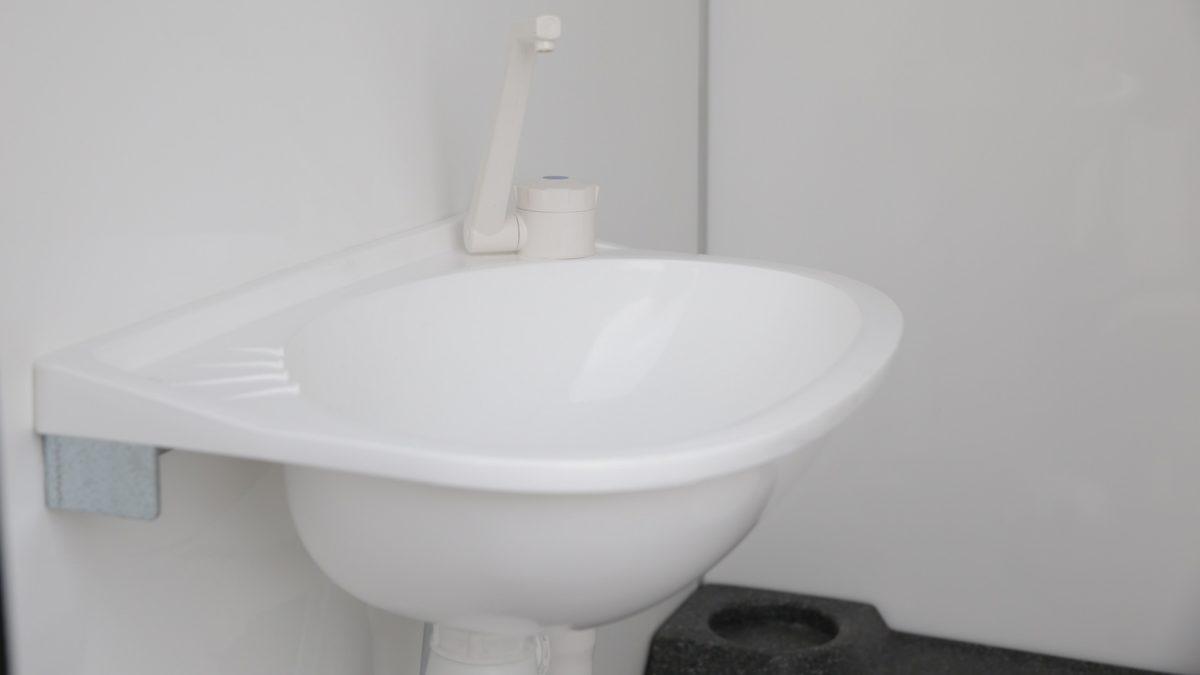 Toalettvogn <br>RESPO 420 8 toaletter 9